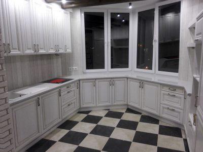 Кухня с эркером