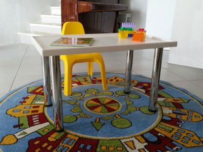 Детский столик из акрилового камня