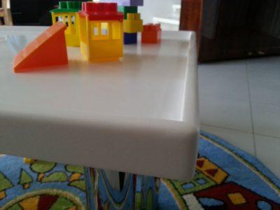 Детский столик с бортиками