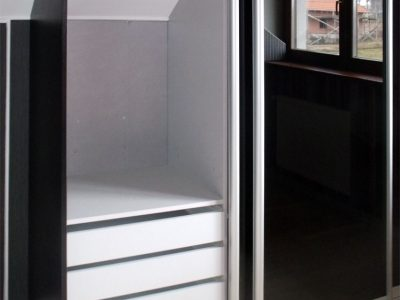 Шкаф-купе в мансарде
