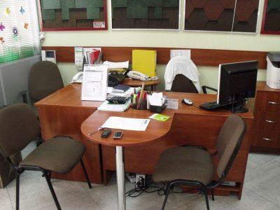 Офисный стол из ДСП
