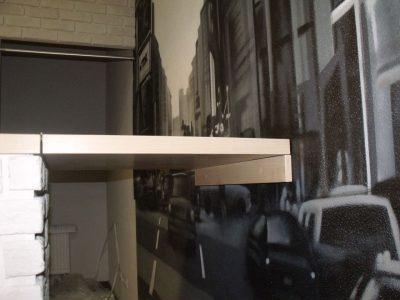 Мебель в кафе: откидная полка
