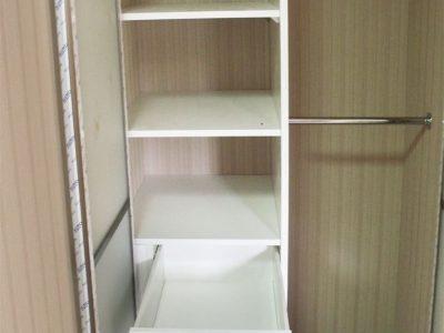 Распашной шкаф в нише