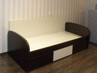 Подростковая кровать с выкатными ящиками