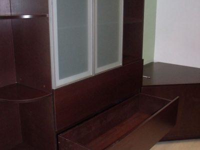 Шкаф с выкатными ящиками