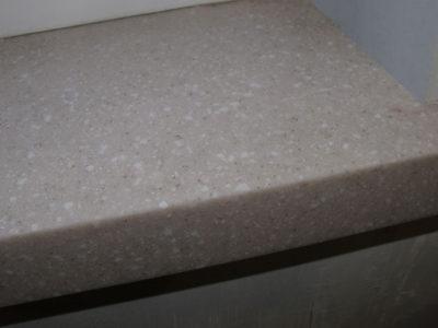 Подоконник из искусственного камня