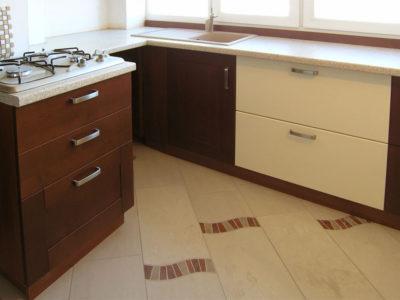 Кухня на балконе: мдф крашеный, массив