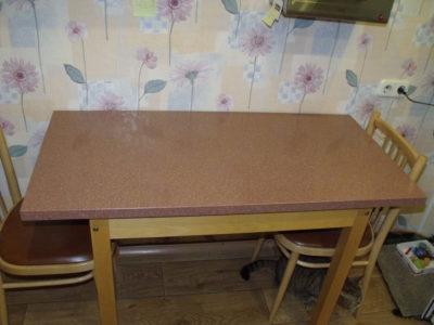 Столешница из искусственного камня для кухонного стола