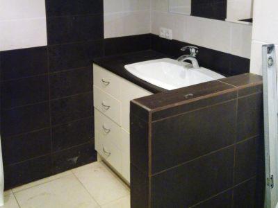 Тумба с умывальником для ванной