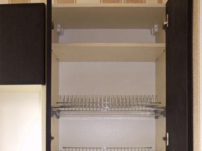 Распашные ящики на кухне