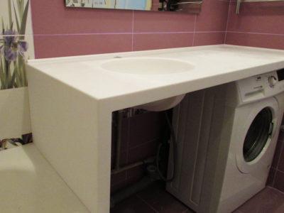Столешница из белого искусственного камня для ванной