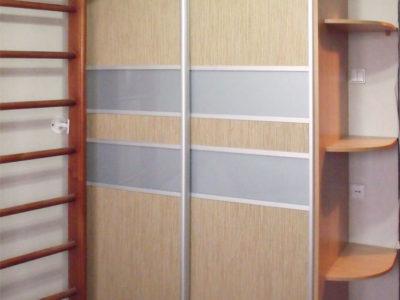 Шкаф-купе со вставками лакомат