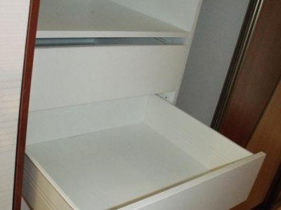 Выдвижной ящик-метабокс в шкафу