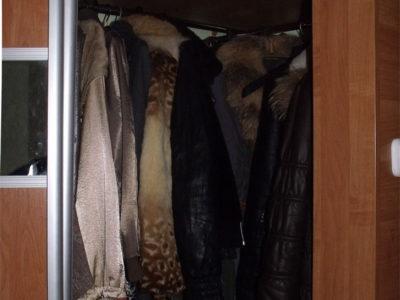 Угловой шкаф-купе внутри