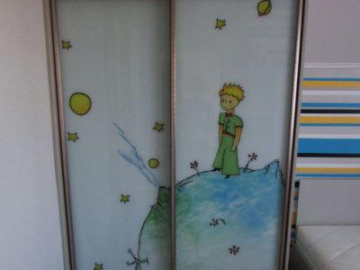 Шкаф с фотопечатью в детской комнате