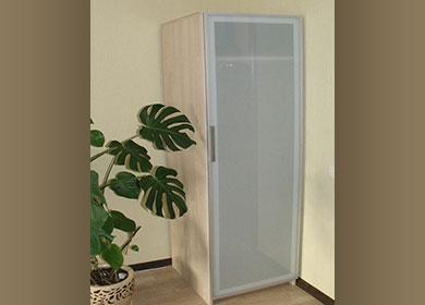 Распашной шкаф с одной дверью