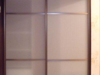 Стеклянный шкаф-купе