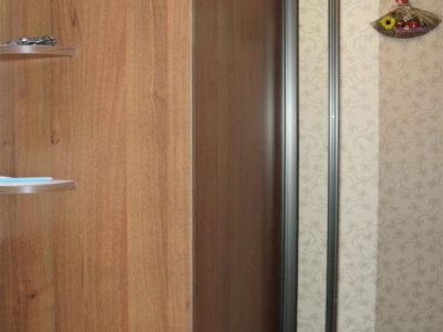 2 дверный шкаф-купе в коридоре