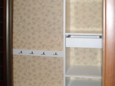Наполнение шкафа в коридоре