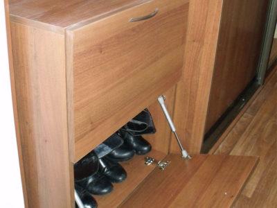 Тумба для обуви с откидными дверцами